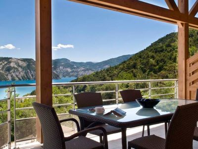 LUXURY APARTMENT 130 sqm 2à10 OF PEOPLE AT THE FOOT OF LAKE GREENHOUSE PONCON