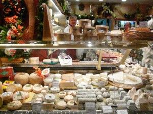 Marché poncelet Cheese shop