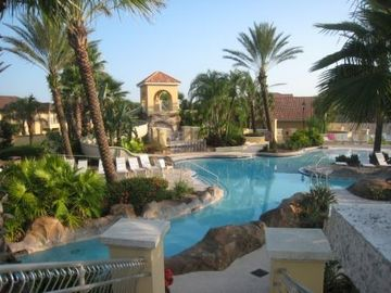 Aldea Reserve townhome rental - Lazy river and the pool