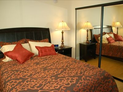 Queen Bed in Guest Suite
