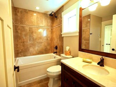 Main Bathroom - Relaxing Tub Baths!