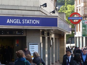7 MINUTES WALK TO ANGEL STATION, Islington