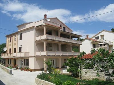 Apartment for 3 persons close to the beach in Rab