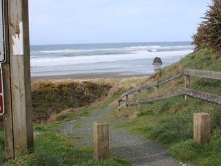 Bandon house photo - Beach Access path.