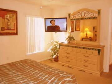 "Queen Suite with 40""HDTV"