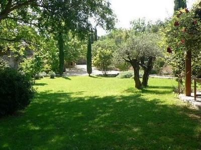 House 70m2 2 rooms very nice private garden center boasts 8 minutes walk Uzes