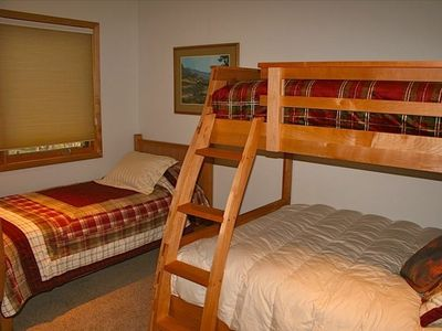 The Bunkroom - Frisco Cedar Cabin