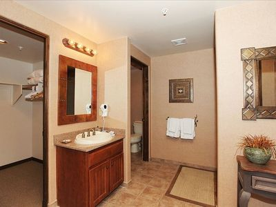 Jr. Suite-Private Bathroom