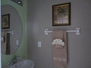 Emerald Island villa photo - Half bath