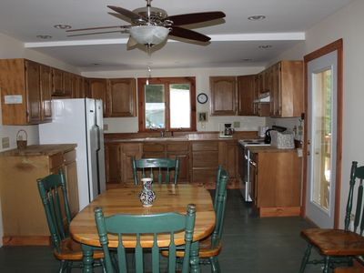 Fairlee cottage rental - Full kitchen