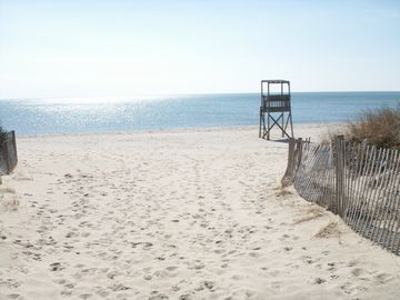 Walk to beautiful Nantucket Sound beaches!