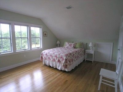 Huge master bedroom suite 2nd floor, queen size bed and flat screen TV