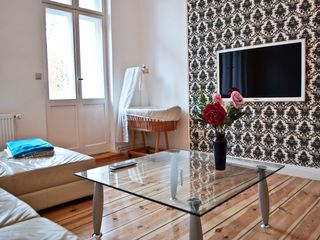 Neukolln apartment photo