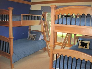 First floor bedroom with 2 bunk beds, sleeps 4