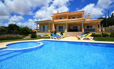 6 insuite Villa Perfect for your Holidays