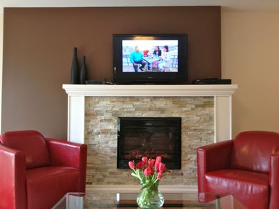Living Room with Fireplace, Cable TV, WIFI