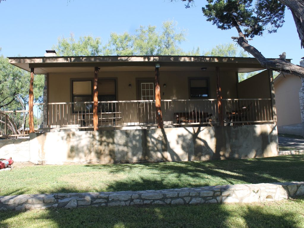 Frio River Front Beach Club W Shared Pool In Vrbo