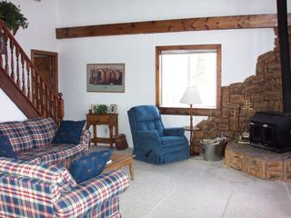 Living Room - Jefferson cabin vacation rental photo