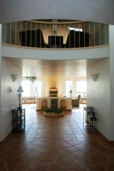 Bandon house photo - Vaulted foyer entrance