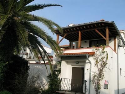 Apartment for 6 people, with swimming pool, in Rab