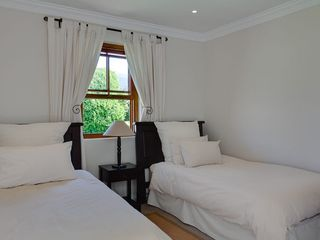 Constantia villa photo - 4th & 5th Bedrooms with 2 x three- quarter beds