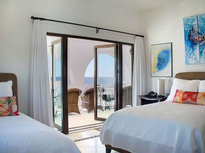 One of 5 other bedrooms suites, all with unobstructed ocean views; Balinese art