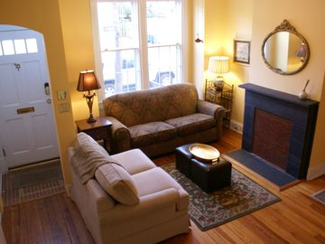 Capitol Hill house rental - Living room
