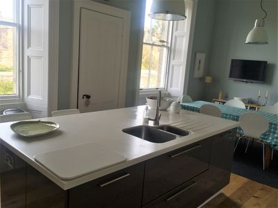 Two lovely bedrooms in beautiful central Edinburgh upper villa