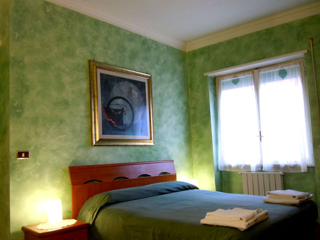 Lovely Holiday Apartment  2 Minutes Walk from St Peter Basilica