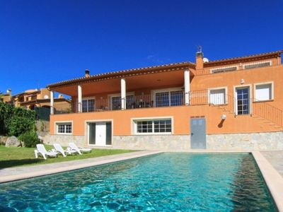 Big and great villa with private swimming pool, ideal for families