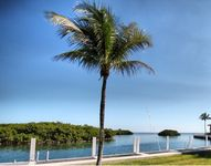 Spectacular 4 Bedroom / Ocean View / Private Dock