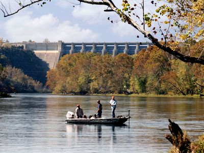 Branson condo rental - Fall Fly-Fishing on Lake