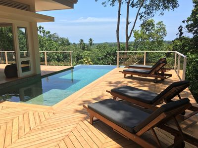 Stylish jungle ridge villa with stunning views near beach, restaurants and Fort