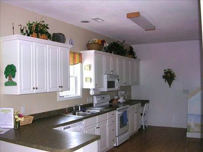 Fully furnished kitchen 1530