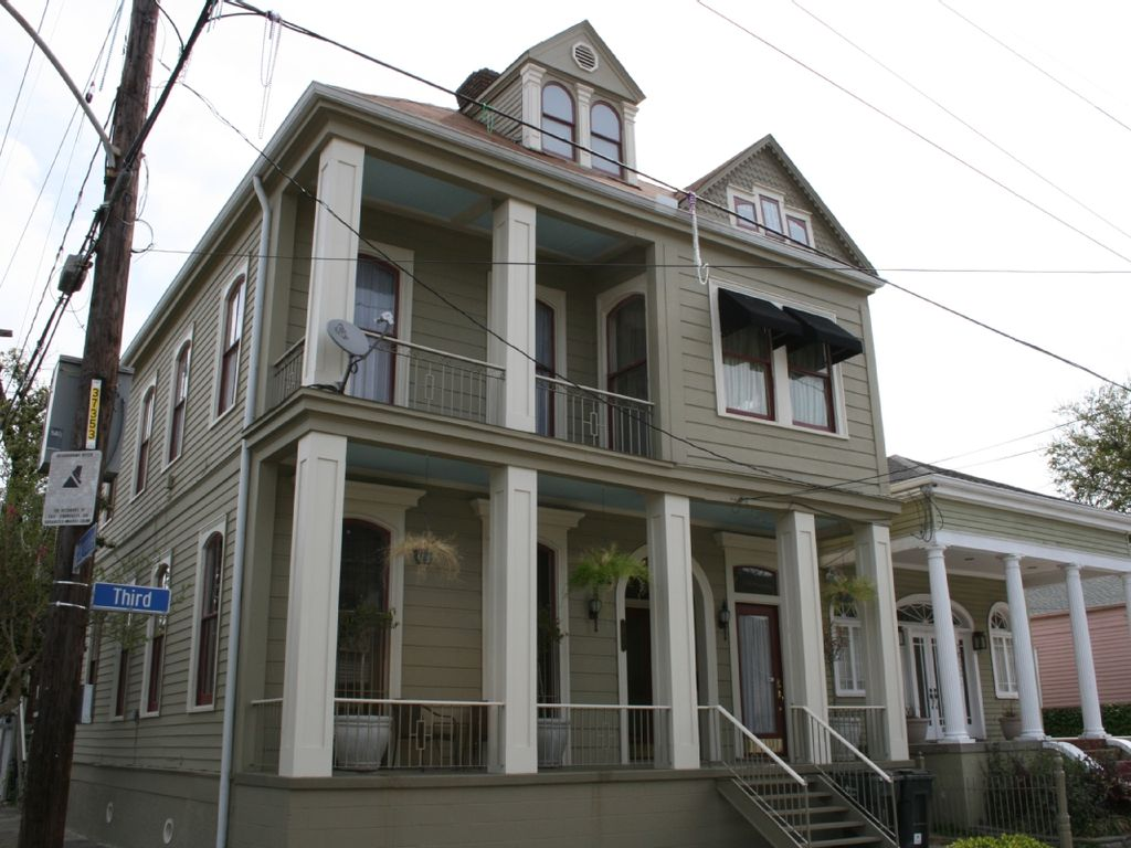 Large And Gracious New Orleans 3 Bedroom...