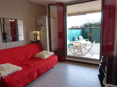 CANET south, superb ground floor appt with terrace 4 pers 3 minutes walk to the beach