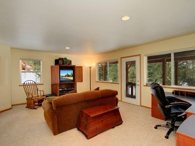 office/den with extra bed, wifi and t.v. outdoor access to the landscaped yard