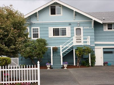 Tacoma house rental - Day Island Seaside Cottage