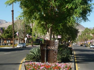 4 Minute Drive To Trendy El Paseo High End Shops And Dining Fun...