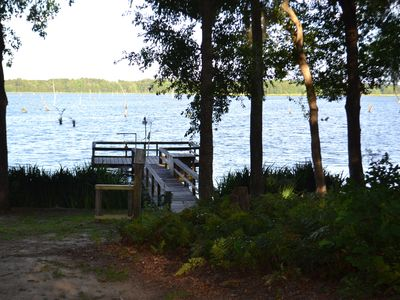 Uncle Boo's   Awesome lake view, Spacious home, large beautiful yard