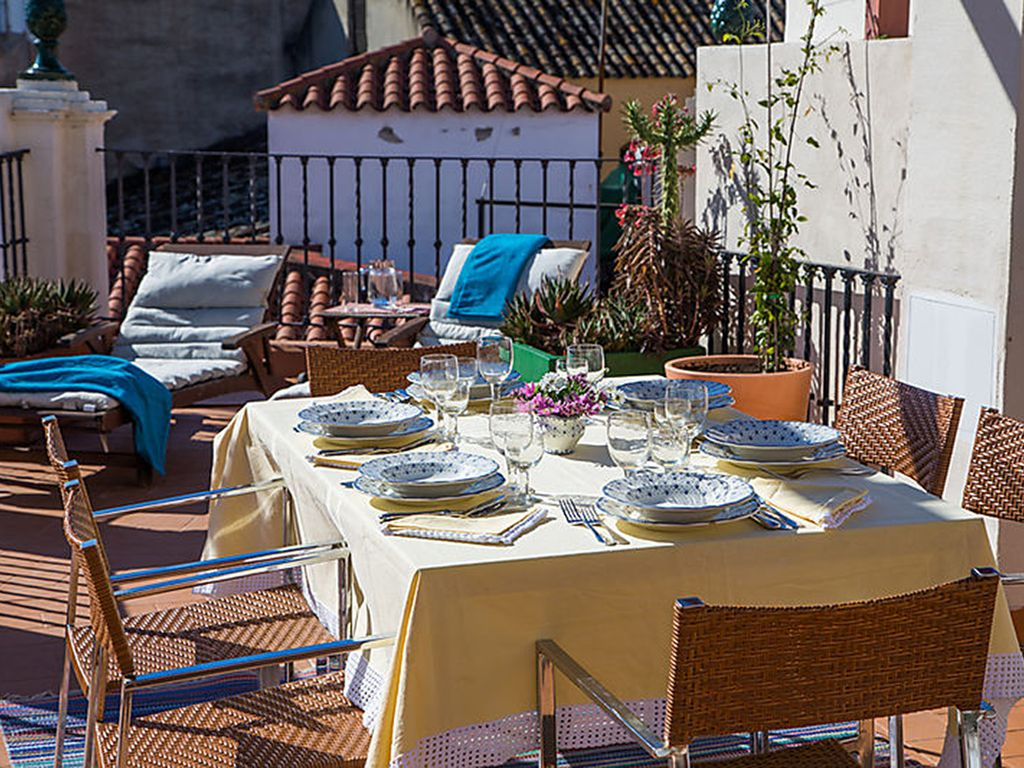 Fabulous beautifully decorated 6-bedroom house in central Seville
