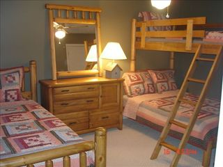 Wintergreen house photo - Full/Twin Bunk with Twin Bedroom
