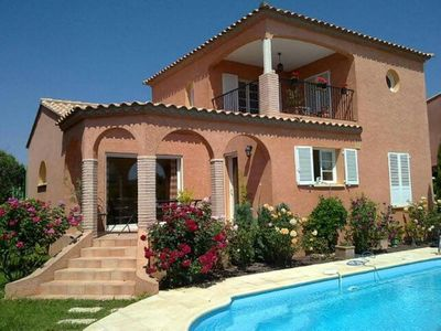 House with garden and private swimming pool