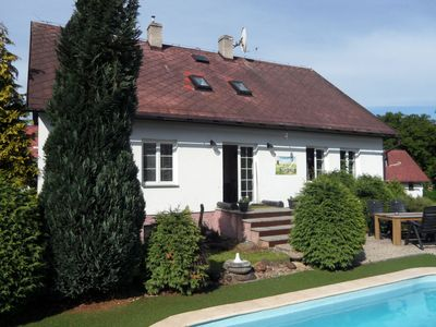 A holiday home for 10-12 people with its own swimming pool. The home is near a ski-area.