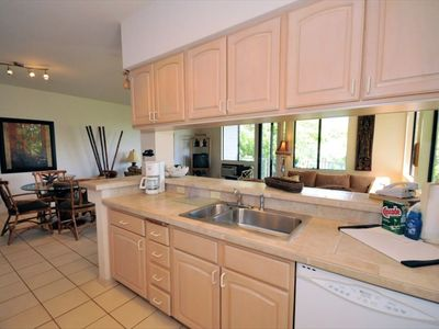 Wailea condo rental - View of Dining area from kitchen.