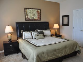 Oakwater townhome photo - Master bedroom King size bed with Orthopedic pillowtop mattress set
