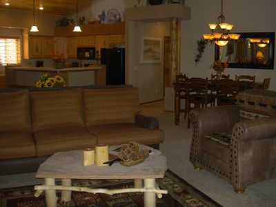 Show Low cabin rental - Great Room