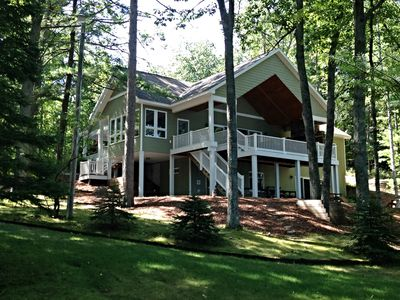 Award Winning Luxury Lakefront Cottage and Guest Cabin