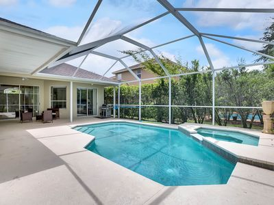 Updated 4BR w/ Heated Pool, Hot Tub & Two Living Areas – Near Theme Parks