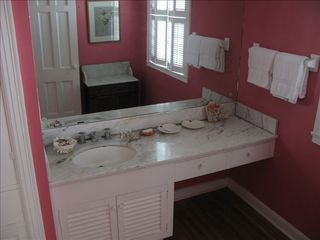 Ponte Vedra Beach house photo - Upstairs Powder Room w/ Separate Large Shower & Bench